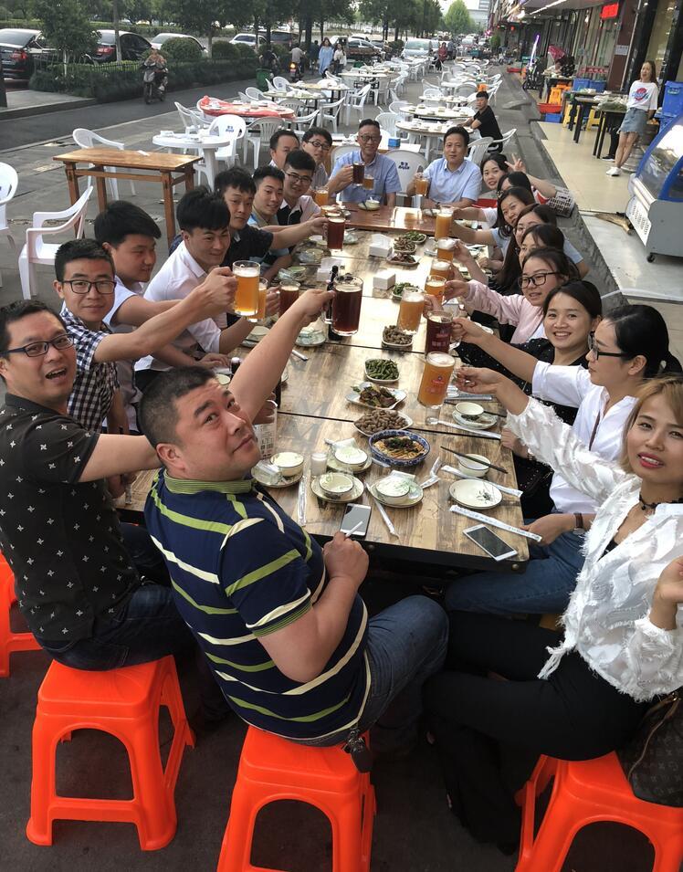 奔明沃龙虾+啤酒趴!